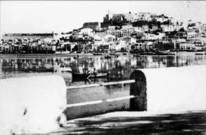 Vista d´Eivissa des de la Barra, dels anys trenta.