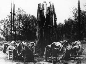 <em>Homenatge a Sísif</em>, obra de Michel Buades. Extret de<em> La fotonovela</em>.