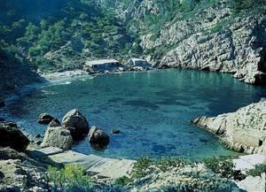 Es Portitxol. Les roques de la part inferior de la imatge reben el nom des Còdols. Foto: Enric Ribes i Marí.