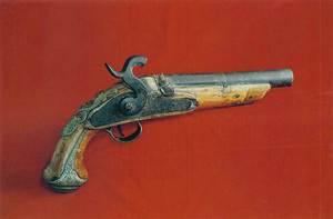 Joan Cabanilles. Un dels tipus de pistola utilitzats pels corsaris. Foto: Rafa Domínguez.