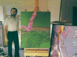 Gustau Carbó Berthold amb algunes de les seues obres. Foto: arxiu de Marià Planells Cardona.