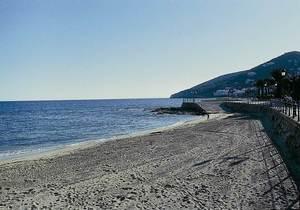 La punta d´en Castelló, avui integrada al passeig marítim de Santa Eulària. Foto: Enric Ribes i Marí.