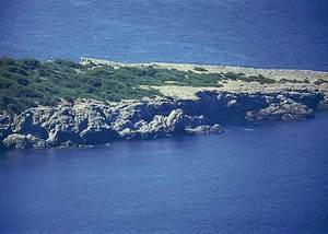 El caló d´en Colofí, a la costa de Sant Vicent de sa Cala. Foto: Enric Ribes i Marí.