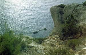 Sa Conillera de s´embardissador, a la costa de Corona. Foto: Enric Ribes i Marí.