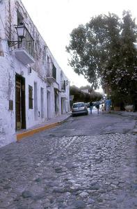 La plaça dels Desemparats, a Dalt Vila, que uneix la pujada des Piló i sa Carrossa. Foto: Vicent Marí.