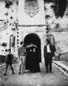 Literatura. Isidor Macabich acompanyat per Fernando-Guillermo de Castro i Hans Berghuis. A l´esquerra de la foto, Isidor Marí Mayans. Foto: Josep Maria Subirà.