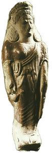 Art. Figura femenina policromada d´època tardoarcaica, trobada al puig des Molins. Foto: cortesia del Museu Arqueològic d´Eivissa i Formentera.
