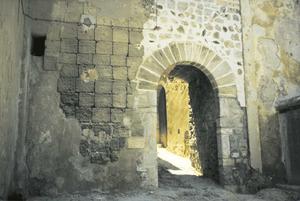 Ciutat d´Eivissa. Història i evolució urbana. Sa Portella, l´única porta de la primera tanca que donava a l´exterior. Foto: col·lecció Marià Planells Cardona.