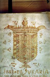 Corona d´Aragó. Detall de la portada d´un llibre de Juraria, on es recullen els acords presos a la Universitat, creada el 1299. Foto: Antoni Ferrer Abárzuza.