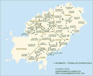Època andalusina. Mapa d´Eivissa amb els jaciments i les alqueries i rafals d´aquesta època coneguts a partir de la documentació. Elaboració: Museu Arqueològic d´Eivissa i Formentera / José F. Soriano Segura / Antoni Ferrer Torres.