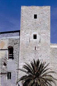 Època andalusina. La torre principal del Castell d´Eivissa, que era el recinte més ben fortificat de la madina andalusina. Foto: Vicent Marí.