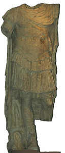 Època romana. Estàtua de marbre que representa un alt càrrec de l´exèrcit romà. Foto: cortesia del Museu Arqueològic d´Eivissa i Formentera.