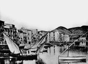 Imatge del port d´Eivissa de final del s. XIX. Foto: cortesia de l´Arxiu Històric Municipal d´Eivissa.