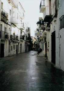 Una imatge del carrer d´Enmig, al barri de la Marina d´Eivissa. Foto: Josep Cardona Riera.
