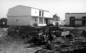 Ses Figueretes. Casa de l´antiga finca de ses Figueretes, a la cantonada dels carrers del País Basc i de Navarra. Cortesia de l´Arxiu Històric Municipal d´Eivissa.