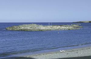 L´illa des Fonoll Marí, a la badia des Pujols, Formentera. Foto Pins.