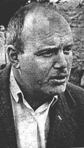 El novel·lista nord-americà Robert Goldston va vi9ure quinze anys a Santa Eulària, on ambientà alguna de les seues obres.