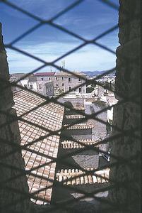 Ruy González de Clavijo diu que la torre del campanar de l´església forma part del propi Castell, en la descripció que fa de la vila d´Eivissa. Foto: Vicent Marí.