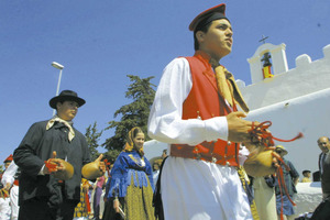 El Grup folklòric Sant Jordi de ses Salines. Foto: Vicent Marí.