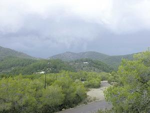 El puig des Guixar, situat al NE del port de Benirràs. Foto: Felip Cirer Costa.