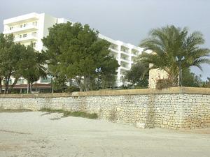 L´Hotel Torre del Mar situat vora el molí de sa Punta, al començament de la platja d´en Bossa, fou inaugurat l´any 1974.