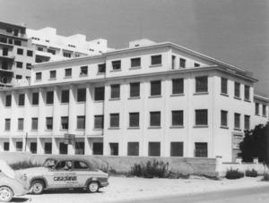 L´edifici de l´Institut d´Ensenyament Secundari Santa Maria inaugurat el 1962. Foto: Arxiu Històric Municipal d´Eivissa.