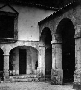 Primera seu de l´Institut d´Estudis Eivissencs, al Pati d´Armes, a començament dels anys setanta del s. XX. Foto: Josep Buil Mayral.