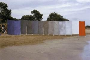 Muntatge artístic a la platja de ses Salines (1977), de Leopoldo Irriguible Celorrio. Foto: Toni Pomar.