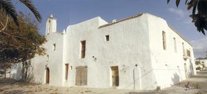 Parròquia de la Mare de Déu de Jesús. L´església amb la casa parroquial adossada. Foto: Josep Buil Mayral / cortesia de la família Pasqual.