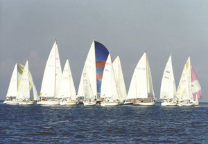 Imatge de la sortida d´una regata de les Jornades Nàutiques Pitiüses. Foto: Roberto Hortensius.