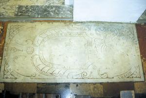 Làpida del sepulcre de la família Jover a la catederal d´Eivissa. Foto: Antoni Ferrer Abárzuza.