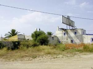Sa Joveria, vora la primera rotonda, casa pagesa de les proximitats de la ciutat. Foto: Joan Josep Serra Rodríguez.