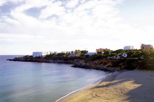 La platja de cala Llenya, a la costa de Sant Carles de Peralta. Foto: Vicent Marí.