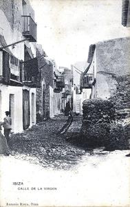 Una antiga fotografia del carrer de la Mare de Déu, al barri de sa Penya. Foto: Antonio Riera / Arxiu Històric Municipal d´Eivissa.