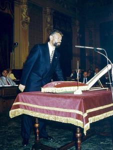 Joan Marí Serra prenent possessió del càrrec de diputat del Parlament Balear.