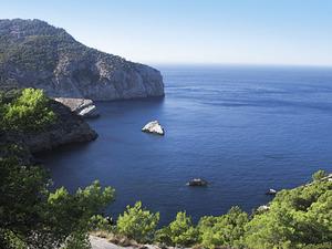 L´illot Mitjà, a la costa de Sant Miquel de Balansat. Foto: Felip Cirer Costa.