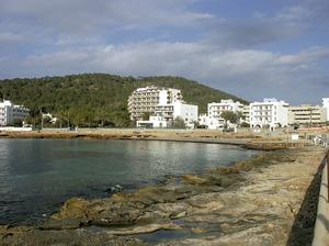 El caló des Moro, a la costa de Sant Antoni de Portmany. Foto: Felip Cirer Costa.