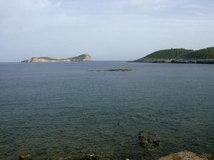 Es Moro, escullet situat a la costa del Pou des Lleó. Foto: Felip Cirer Costa.