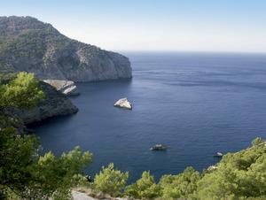 Es Morralot, situat just davant l´illot Gros, a la badia des Portitxol. Foto: Felip Cirer Costa.