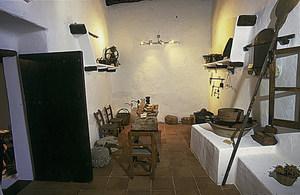 Museu d´Etnografia d´Eivissa. La cuina de can Ros, amb el forn i tots els elements que en són propis. Foto: Rafa Domínguez.