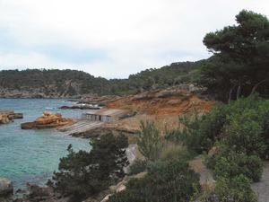 La punta Negra, a la badia de Xarraca, entre l´illot des Renclí i la platja de Xarraca. Foto: Felip Cirer Costa.