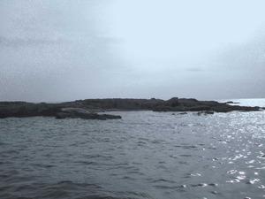 Una de les dues illes Negres: l´illa Negra Petita o de Llebeig, a la zona des Freus. Foto: Felip Cirer Costa.