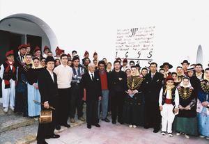 """Obra Cultural Balear de Formentera. Imatge de la Festa del Repoblament, durant la qual es va retre un homenatge a Bartomeu Escandell Costa """"Xomeu des Bosc"""", emigrat a l´Argentina l´any 1948. Foto Pins."""