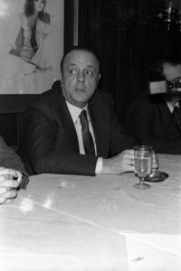 Manuel Fraga Iribarne, líder del Partit Popular en un míting a Eivissa. Foto: Josep Buil Mayral / Arxiu d´imatge i so del Consell Insular d´Eivissa.