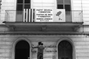 La seu del Partit d´Eivissa i Formentera a la via Púnica. Foto: Josep Buil Mayral / Arxiu d´imatge i so del Consell Insular d´Eivissa.