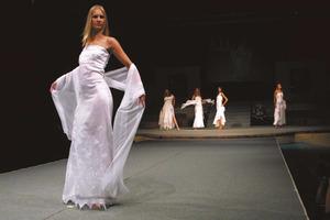 Imatge d´una desfilada de moda organitzada pel Patronat per al Foment de la Moda d´Eivissa i Formentera. Foto: Vicent Marí.