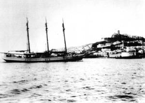 El vaixell <em>Pedro</em> ja convertit en motoveler. Extret de <em>Notes per a la història marítima d´Eivissa i Formentera</em>.