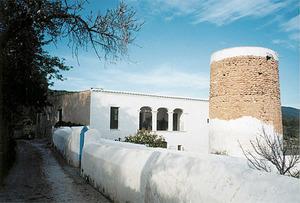 La torre i la casa de can Pere Mosson. Foto: Joan Josep Serra Rodríguez.