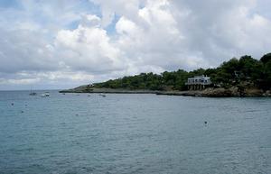 La punta des Port, situada a xaloc del port de Portinatx. Foto: Felip Cirer Costa.