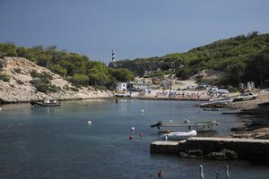 La platja de Dins, de Portinatx. Foto: Vicent Marí.